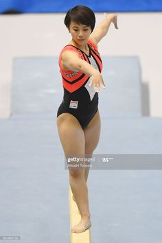 Gymnastics Posters, Gymnastics Pictures, Gymnastics Girls, Action Pose Reference, Pose Reference Photo, Action Poses, Gymnastics Apparatus, Anatomy Poses, Cute Japanese Girl