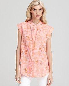 Professionelle: Hibiscus Floral Print Blouse