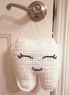 Free Crochet Pattern-Crochet Tooth Fairy Pillow Instructions