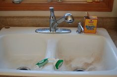 How to Clean Porcelain Sinks without Bleach | Simplify, Live, Love --- BORAX OR BAKING SODA
