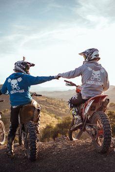 Off road and off track Motocross Love, Motorcross Bike, Enduro Motorcycle, Dirt Bike Riding Gear, Dirt Bike Girl, Dirt Biking, Dirt Bike Tattoo, Malaga, Bike Couple