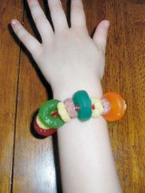 Edible Bracelet Craft - No Kids Will Complain About This Craft!