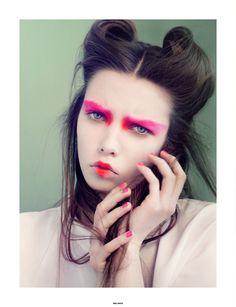 Japanese colours creative makeup | Makeup: Sine Ginsbourg @ Agentur Cph
