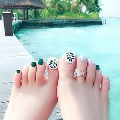 Want some ideas on spring toe nails design? Then check out these beautiful toe nails design ideas. Pedicure Designs, Pedicure Nail Art, Toe Nail Designs, Toe Nail Art, Acrylic Nails, Pretty Toe Nails, Cute Toe Nails, Pretty Toes, My Nails