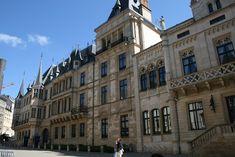 Geniet van de stadswandeling stadscentrum in Luxemburg-stad Multi Story Building, Luxembourg