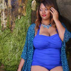 Instagram Medien mskristine - Loving dieses ocean blue Einteiler aussorellaswim!  Ein Teil meiner fav Plusgröße Badebekleidung.  Gehen Sie auf den Blog für mehr!  #iamtrendycurvy #plussize #plussizeswimwear #celebratemysize #bbbg