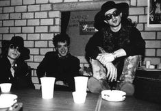 The Sisters of Mercy mit Wayne Hussey - cool and Best time of the Band ! Andrew Eldritch, Sisters Of Mercy, Sister Photos, Gothic Rock, Post Punk, New Wave, Fictional Characters, Bands, Carrie