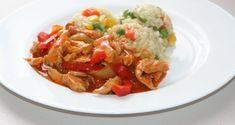 Cartofi gratinati la cuptor cu branza, cascaval, sunca, oua si smantana Ketchup, Thai Red Curry, Cabbage, Meat, Chicken, Vegetables, Ethnic Recipes, Tiramisu, Food