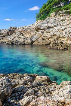 Vertrek eind augustus, en ga niet 1 week maar lekker 10 dagen volop zonnen in Salou! Deze bruisende Spaanse stad zorgt ervoor dat jij even volledig kunt ontspannen! Geniet van de lange zandstranden waar jij uren op kunt zonnen! Voor de verkoeling kan je lekker in de blauwe zee gaan zwemmen! Ga lekker op een terras genieten van een ijskoud drankje en jouw vakantie is compleet! https://ticketspy.nl/deals/vlieg-eind-augustus-naar-het-heerlijke-salou-10-dagen-va-e251/