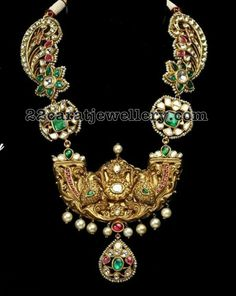 Polki-Halskette im viktorianischen Stil - Schmuck Design Antique Jewellery Designs, Indian Jewellery Design, Indian Jewelry, Jewelry Design, Emerald Jewelry, Gold Jewelry, Gold Necklaces, Modern Jewelry, Diamond Jewelry
