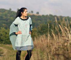 e48a6d3d476 Zelenomodré+kytkové+Šaty+z+jemného+designového+bavlněného+plátna+
