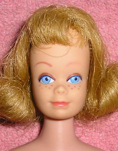 Midge - she had gone mad from the beginning Play Barbie, Barbie And Ken, Vintage Barbie, Vintage Toys, Selling Mary Kay, Vintage Year, Red Flare, Ken Doll, Barbie World