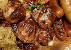 Baconbe tekert sajtos húsgolyó Chicken Wings, Sprouts, Hamburger, Sausage, Bacon, Garlic, Pork, Food And Drink, Vegetables