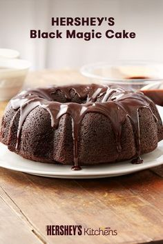 This Hershey's Black Magic Cake is crafted to spooky perfection. This easy dessert combines HERSHEY'S Cocoa and coffee to create a taste your guests won't forget. Bake this for your next birthday or Halloween party and watch it magically disappear! Dessert Simple, 13 Desserts, Dessert Recipes, Chocolate Flavors, Chocolate Desserts, Magic Chocolate, Hershey Chocolate, Irish Chocolate, Bunt Cakes