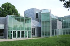 Center for the Visual Arts, Toledo OH (1992) | Frank Gehry Architect