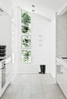 Windows tile floor recessed kitchen