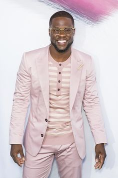 """Kevin Hart attends premiere of """"The Secret Life of Pets"""" at the David H. Koch Theater at Lincoln Center in New York City. Okay, we have three Big Man Suits, Mens Suits, Big Guys, Big Men, African Men Fashion, Mens Fashion, Blazer Fashion, Swag Outfits Men, Gorgeous Black Men"""