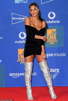 MTV EMAs Nicole Scherzinger exudes glamour in Bardot minidress - Dazzling display: Nicole added extra pizzazz to her outfit with sparkly knee-high boots an… - Nicole Scherzinger, Bardot, Mtv, Best Yoga Clothes, Celebrity Boots, Style Feminin, Nicole Curtis, Glamour, Celebs