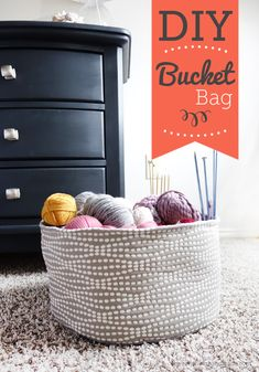 Easy made bucket bag, great for storing yarn or toys. Instructions are easy to follow and the project comes with a free template with all sizes needed to make this bucket bag.
