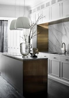 home decor kitchen The latest in luxury kitchen design from seriously stylish Australian homes. Take a detailed look and discover what inspired these high-end kitchens. Home Decor Kitchen, High End Kitchens, Interior, Luxury Kitchens, Kitchen Decor, House Interior, Modern Kitchen Design, Kitchen Renovation, Luxury Kitchen Design