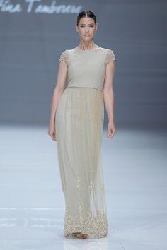 6fc2fd51c11b2 Vestidos de novia de color. ¡Los diseños más originales en tendencia para  causar furor
