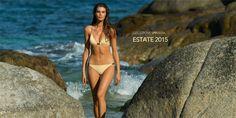 La collezione costumi da bagno 2015 firmata Eres vede protagonista degli scatti fotografici la modella Zoi Mantzakanis, che come una dea, ma anche come una sirena emerge dalle acque marine della Co...