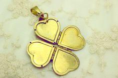 NECKLACE $19.50 HEART CLOVER (Colgante) <3!!