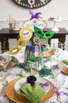 Love this Mardi Gras centerpiece!