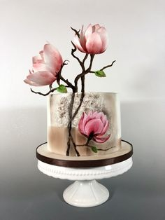 Magnolia cake from Tomima - Asian inspiration - .- Magnolienkuchen von Tomima – Asiatische Inspiration – Magnolia cake from Tomima – Asian inspiration – - Beautiful Wedding Cakes, Gorgeous Cakes, Pretty Cakes, Cute Cakes, Amazing Cakes, Big Cakes, Fancy Cakes, Magnolia Cake, Hand Painted Cakes