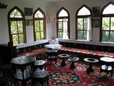 A spacious room in Safranbolu houses.