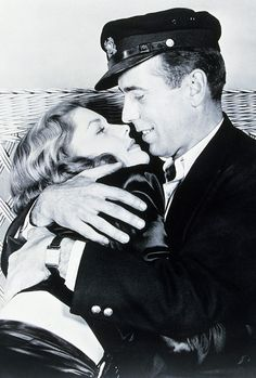 Lauren Bacall holding Stephen, son of her and Humphrey Bogart. Lauren Bacall kissing her son Stephen Bogart Her relationship with Humphrey. Hollywood Couples, Hollywood Icons, Golden Age Of Hollywood, Vintage Hollywood, Hollywood Stars, Classic Hollywood, Hollywood Pictures, Humphrey Bogart, Lauren Bacall