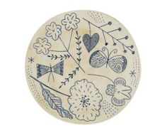 I just discovered these delightful ceramics via a plate a day and Jollygoo from Makoto Kagoshima which are available from Biotape in . Ceramic Painting, Ceramic Artists, China Painting, Kagoshima, Makoto, Wabi Sabi, Cute Clay, Sgraffito, Tile Patterns