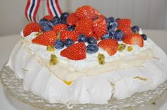 Pavlova kaken Pavlova, Cake, Desserts, Food, Tailgate Desserts, Pie, Kuchen, Dessert, Cakes