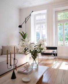 Interior Exterior, Room Interior, Home Interior Design, Interior Paint, Home Living Room, Living Room Decor, Living Spaces, Living Room Inspiration, Home Decor Inspiration