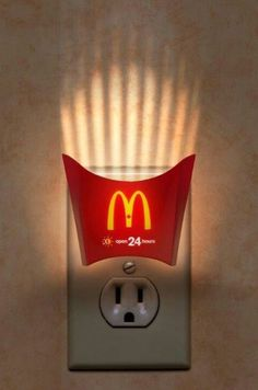 McDonalds actually does a brilliant job of being creative with its advertisements. My personal favorite is the McDonalds french fry container night light because it is trying to convey that some McDonald's locations are open Creative Advertising, Advertising Design, Ads Creative, Guerilla Marketing, Street Marketing, Restaurant Marketing, Funny Commercials, Funny Ads, Hilarious