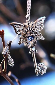 *+*Mystickal Faerie Folke*+*... images/alice_in_wonderland_key_necklace_version_2_by_keyperscove-d5qav8w.jpg