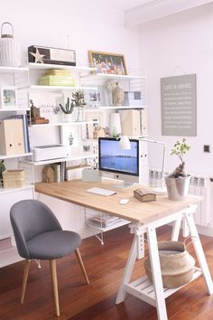 Home Office Design Ideas Design Guide: Creating the Perfect Home Office Small Home Office Decorating Ideas! Your Guide to Creating the Home Office of Your Dreams Home Office Design Ideas. Home Office Space, Home Office Desks, Home Office Organization, Office Decor, Office Ideas, Organization Ideas, Office Inspo, Office Style, Workspace Design