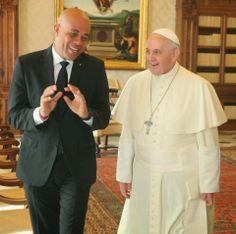 Haiti-Connexion-Culture (Multilingual): Le président Michel Martelly a été reçu  par le pa...