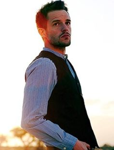Brandon Flowers... swoon!  I love him and The Killers.