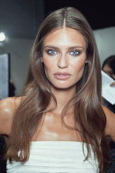Bianca Balti. smooth waves. contouring bronze makeup