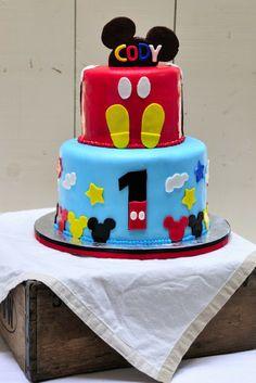 Haniela's: Mickey Mouse Cake