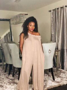 Black off the shoulder wide leg Jumper can be worn 3 different ways Thick Girl Fashion, Plus Size Fashion For Women, Black Women Fashion, Plus Size Bohemian, Egypt Fashion, Plus Size Chic, Curvey Women, Miami Outfits, Jumper Outfit