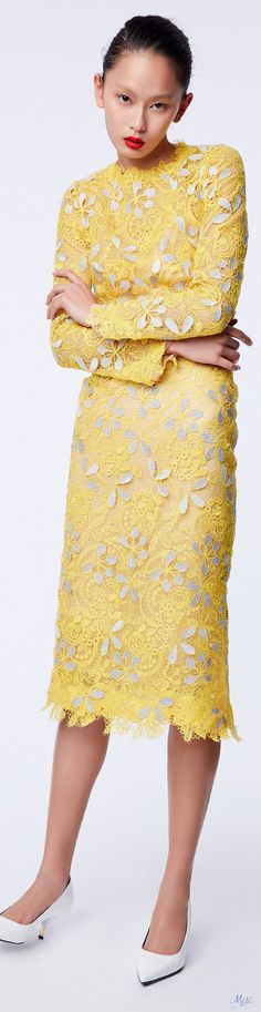Best Trending Fashion for Women - Fashion Trends Trendy Fashion, Fashion Models, Fashion Brands, Womens Fashion, Old School Fashion, Mellow Yellow, Bright Yellow, Luxury Dress, Ermanno Scervino