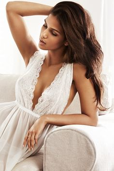 Lace Nightgown. H&M. #HMLINGERIE NECKLINE COVERS MORE BUT LOOKS ALLURING