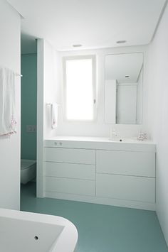 L'agence « mecanismo » invente le concept de « capsule » en Krion® pour la salle de bains  Krion Solid Surface bathroom Porcelanosa