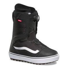 5ced163f99da3 Vans Aura OG Snowboard Boots - Black/White (2019)