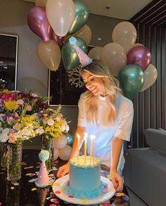 Birthday Goals, 28th Birthday, Birthday Celebration, Happy Birthday, Birthday Girl Pictures, Birthday Photos, Simple Birthday Decorations, Fun Party Games, Birthday Cakes For Women