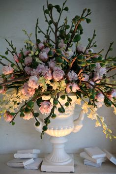Pink and green wedding flower arrangement. Photo: Shanna Jones
