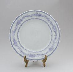Arabia, matala ruokalautanen, Linnea, leima 1878-1910 Decorative Plates, Tableware, Home Decor, Dinnerware, Decoration Home, Room Decor, Tablewares, Dishes, Home Interior Design