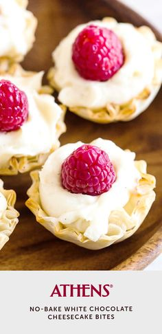 A quick, easy dessert that's ready in just 15 minutes! No-Bake White Chocolate Cheesecake Bites only takes phyllo shells, cheesecake filling & fresh fruit. No Cook Desserts, Easy Desserts, Baked White Chocolate Cheesecake, Moose Cake, Cake Filling Recipes, Cake Recipes, Fresh Fruit Tart, Compote Recipe, Chocolate Chip Recipes